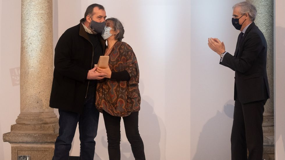 Antón Sanjurjo e Tere Astorgano, de Traxandaina, recibiron o premio