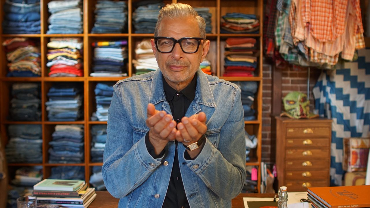 Jeff Goldblum conduce una serie documental en Disney+.