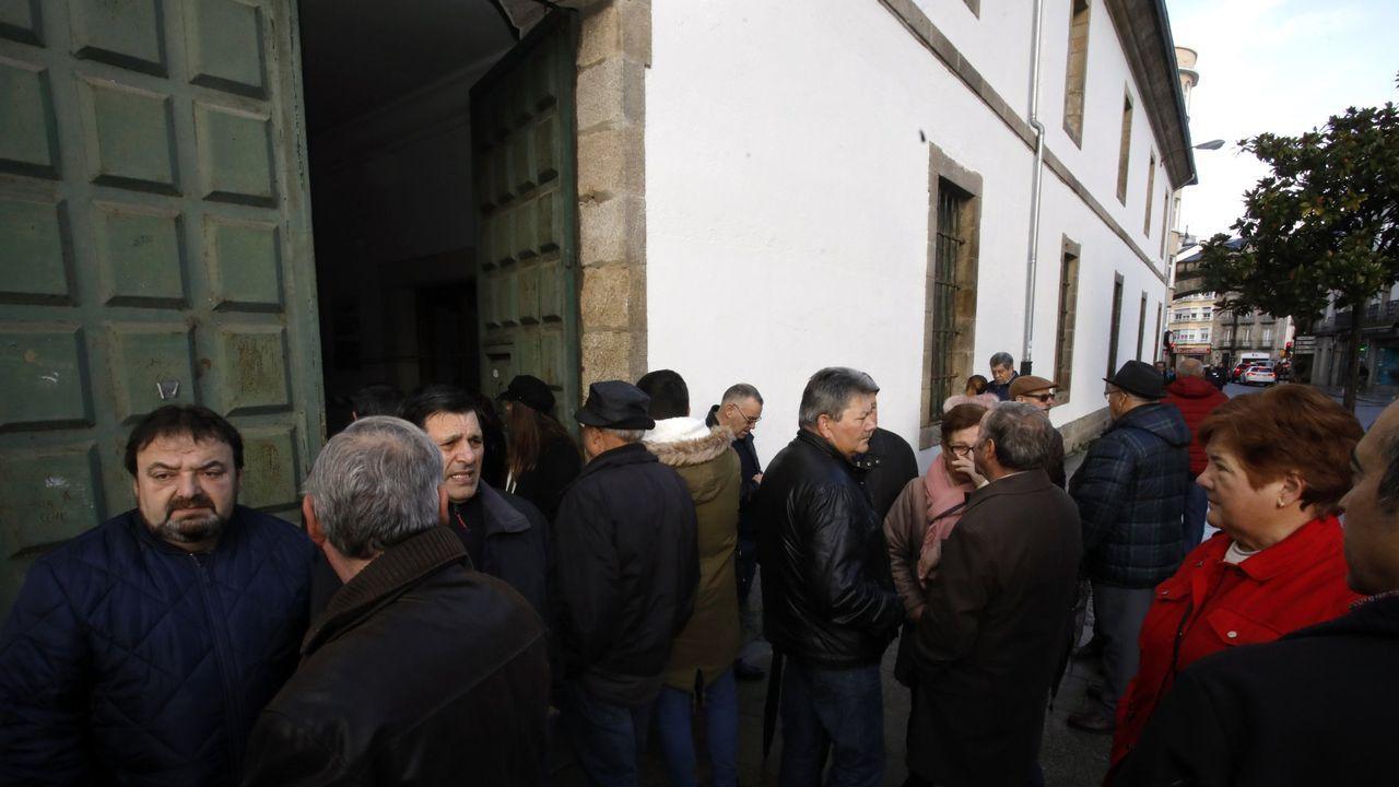 <span lang= gl >Xuntae Círculo das Artesasinan un convenio de colaboración</span>.De izquierda a derecha, Joan Balldoví (Compromís), Gabriel Rufián (ERC), Néstor Rego (BNG), Aitor Esteban (PNV), Tomás Guitarte (Teruel Existe) y Pedro Quevedo (Nueva Canarias)