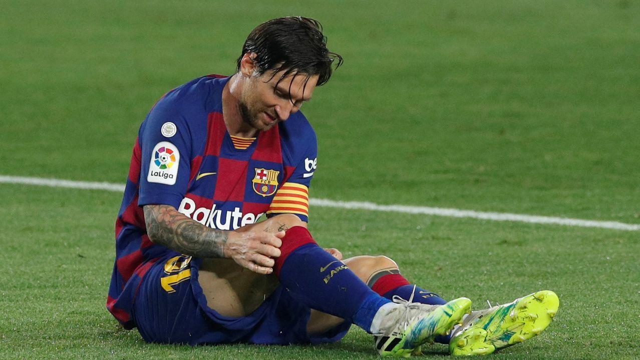 Galicia busca protagonismo en la Liga.Miku, en el centro de la imagen, pugna con el deportivista Sidnei en un partido en las filas del Rayo