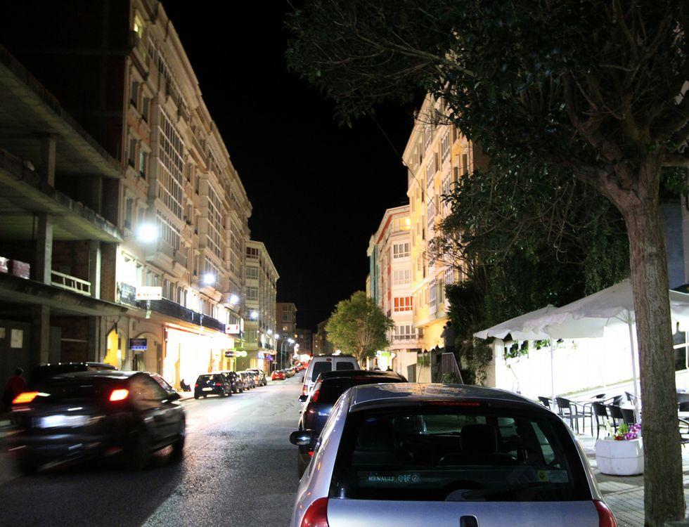 Por esta calle el hombre, según varios testimonios, siguió a la niña y a la cuidadora hasta un súper.