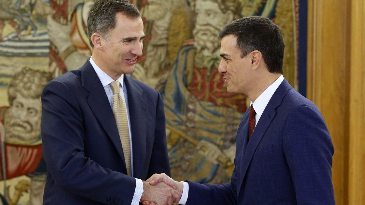 El rey Felipe VI con el actual presidente del Gobierno, Pedro Sánchez, en una imagen del 2016