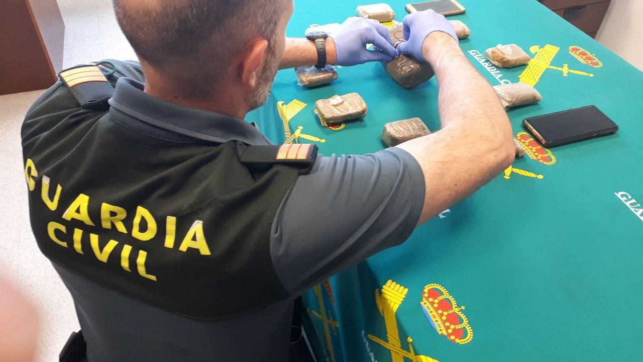 Detenidos dos vecinos de Bueu por tráfico de drogas