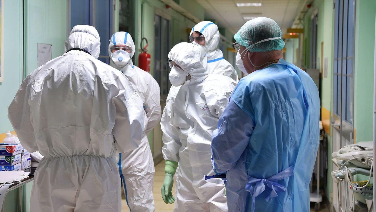 Personal sanitario en un hospital de Turín, en el norte de Italia
