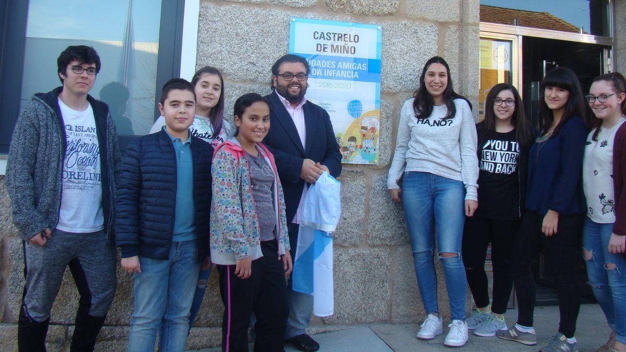 Abel Caballero celebra con los suyos en la sede del PSOE vigués su clamoroso éxito electoral