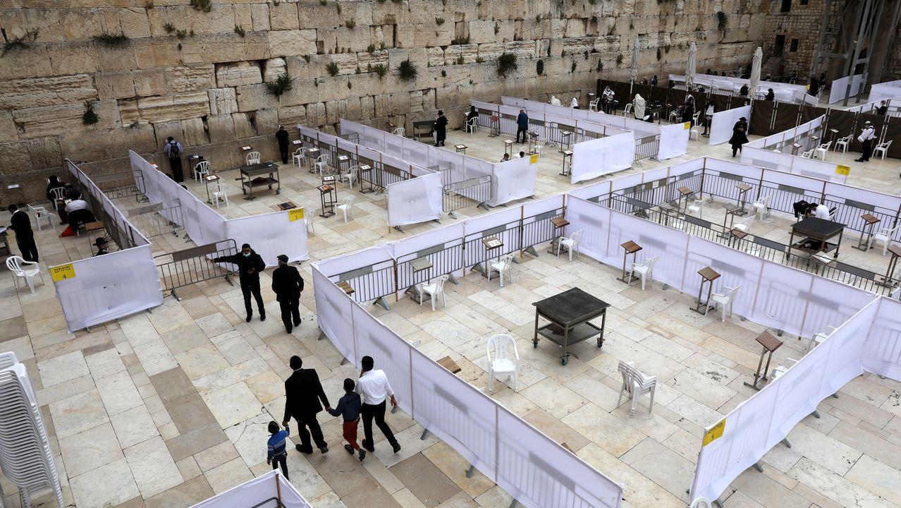 En el Muro de las Lamentaciones se han habilitado compartimentos separados para la oración