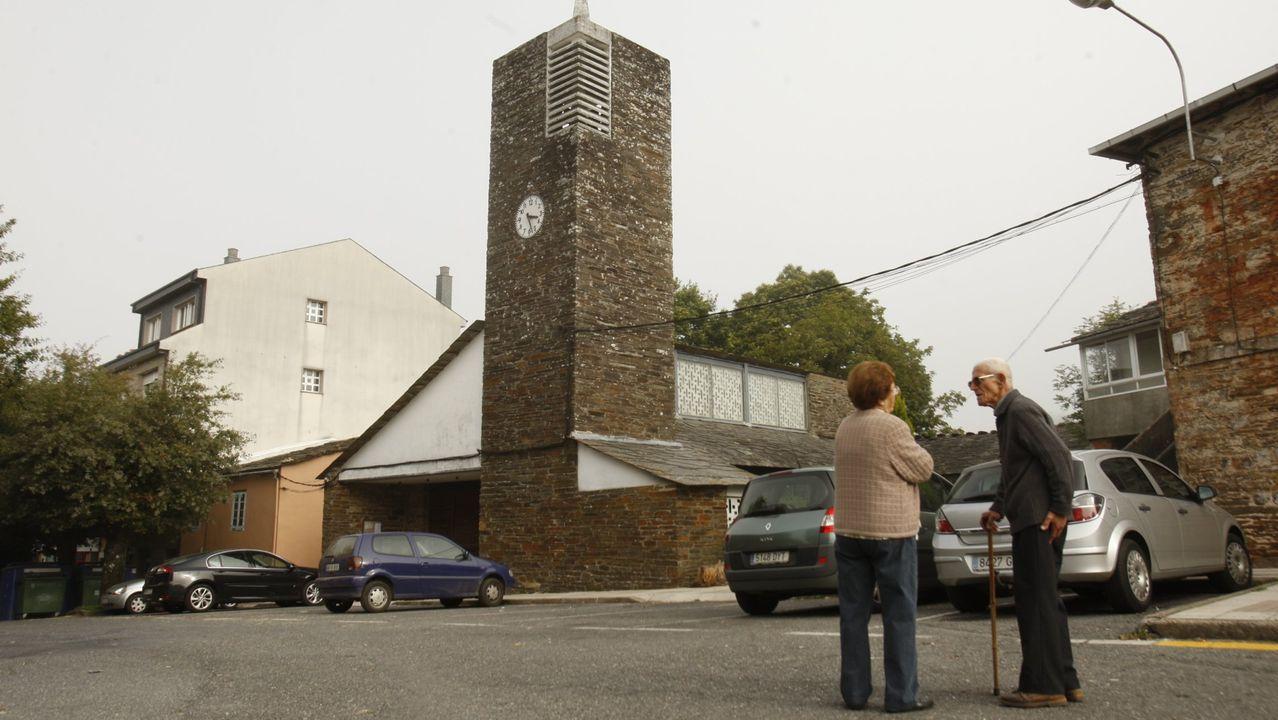 Las fotos de la ruta entre Samos y O Courel.La iglesia de Cruz do Incio, una notable muestra de arquitectura contemporánea, fue construida entre 1961 y 1963