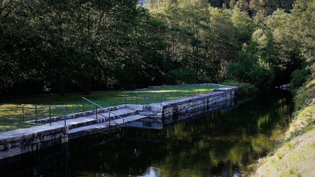 Parques forestales para disfrutar del verano.Playa fluvial del río Pacín en Entrimo