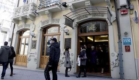 El ferrolano Hotel Suizo, en la foto de archivo, es el local más veces recomendado en la zona.