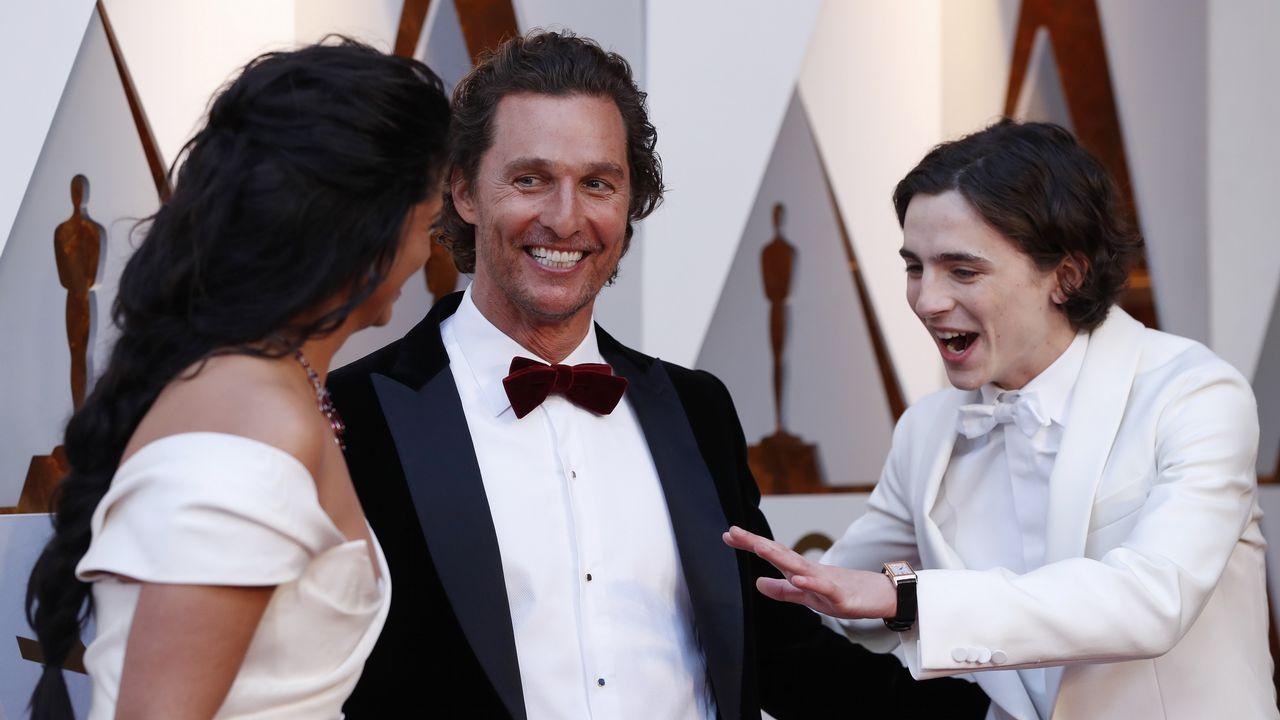 Timothee Chalamet con Mattew McConaughey y su mujer Camilla Alves