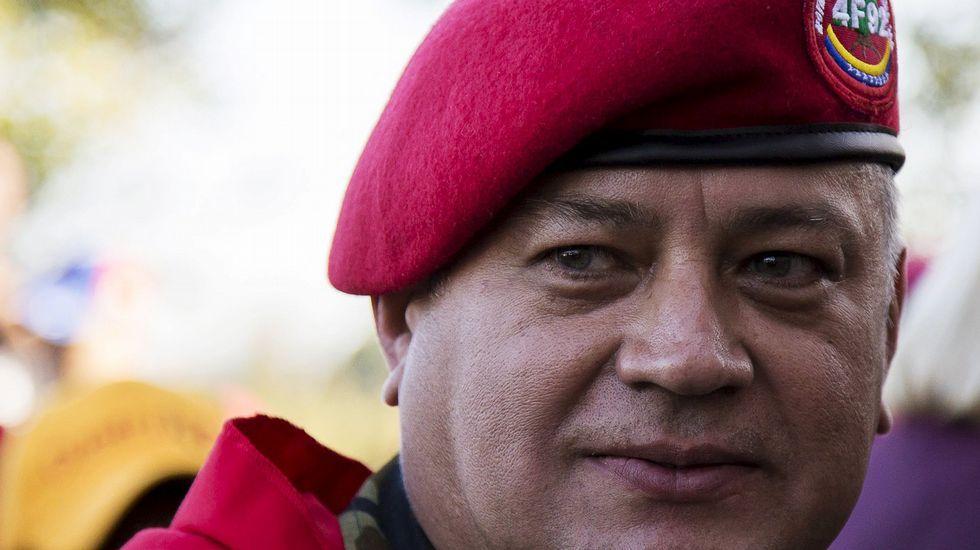 Un grupo de universitarios sabotea un acto de Felipe González