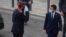 El mayor de los Mossos, Josep Lluis Trapero, saluda al presidente Pere Aragonès a su llegada a una reunión del Círculo de Economía en Barcelona