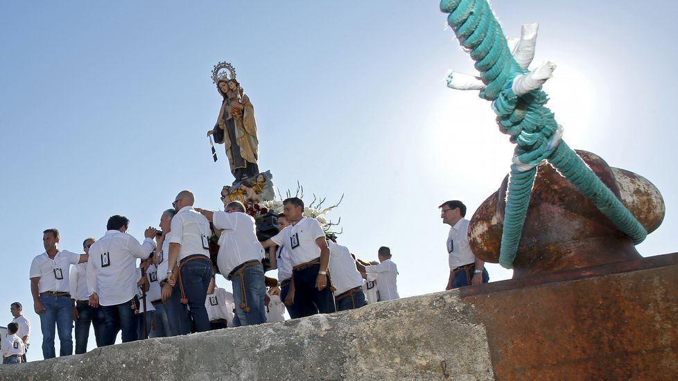Procesión marítima del Carmen en Marín