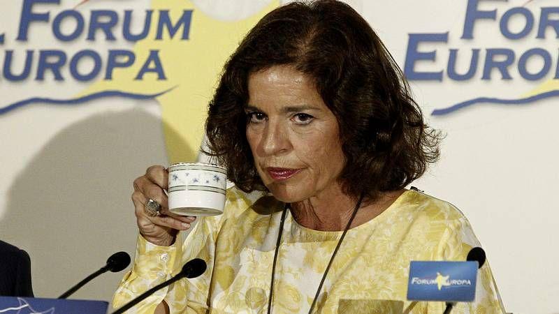 Ana Botella: «Espero que os hayan servido a todos vuestro café con leche».Una viñeta muestra a luchadores de sumo con tres brazos y tres piernas