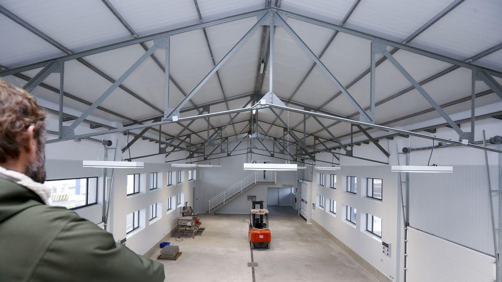 Vista interior de la rehabilitada lonja de Curuxeiras