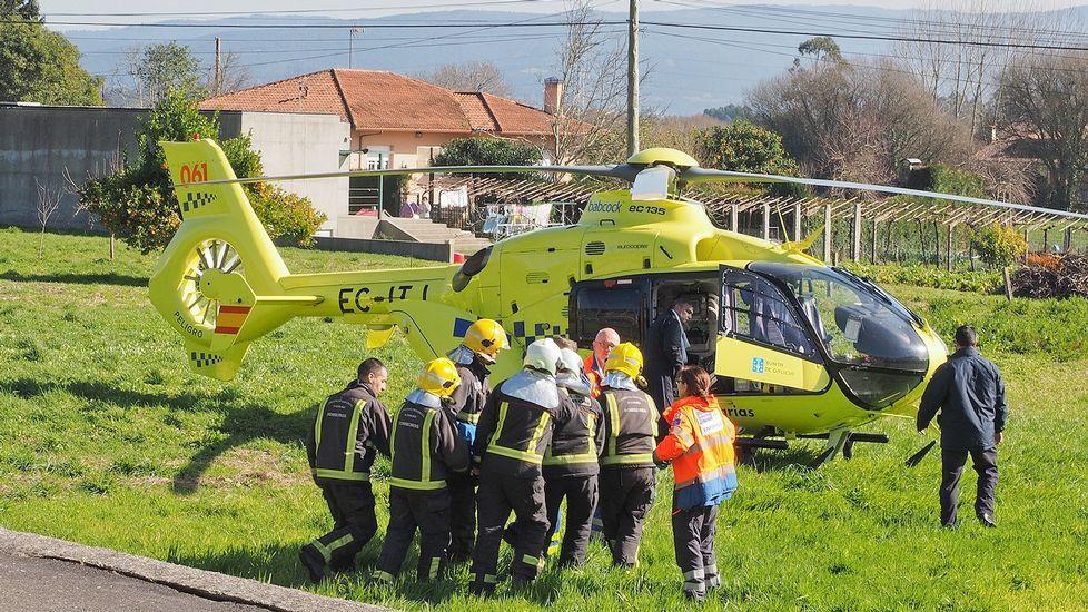 La mujer tuvo que ser trasladada en un helicóptero sanitario