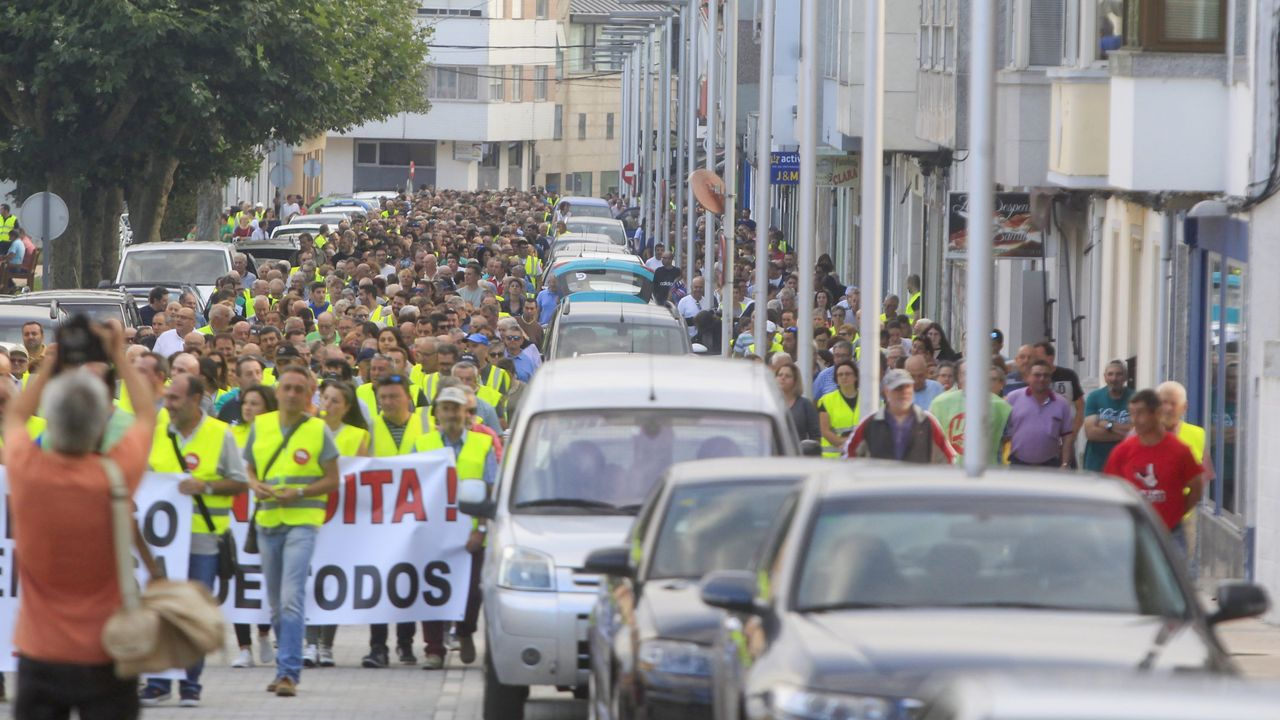 El medio centenar de trabajadores de la planta de Expal en Trubia han secundado este lunes la primera de las dos jornadas de huelga convocadas por el comité de empresa para exigir a la dirección del fabricante de munición la retirada del despido colectivo.