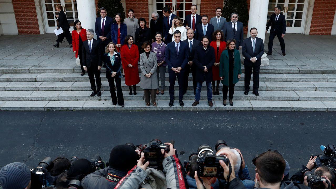 Foto de familia en el primer dia de trabajo del nuevo Gobierno