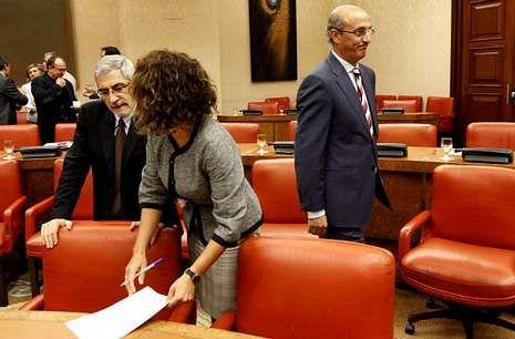 Celso Delgado (derecha) es el diputado del PP que más iniciativas ha presentado.
