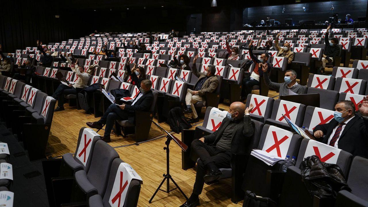 Rueda de prensa de Jácome.En los últimos meses, el Auditorio de Ourense ha servido de escenario para la celebración de los plenos del Concello, como en la imagen