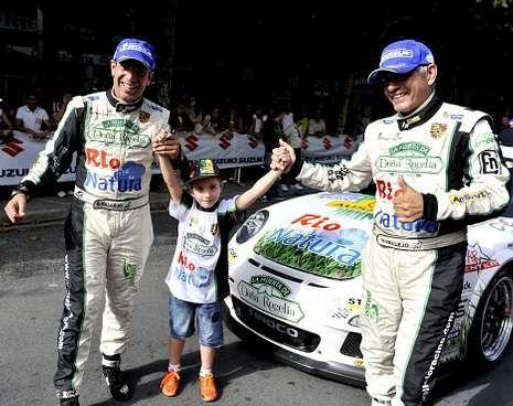Los hermanos Vallejo, después de ganar el Rally de Ferrol en el mes de agosto.