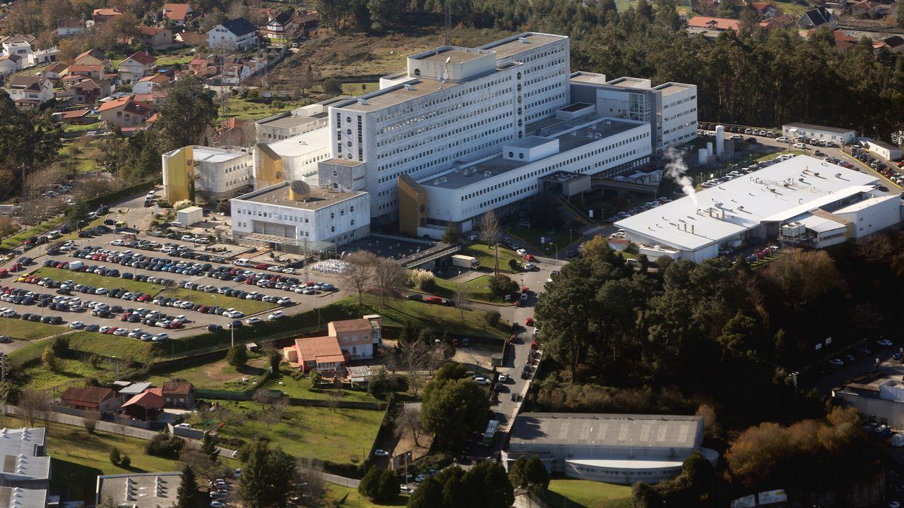 Vista de Feijoo al Cunqueiro.El Hospital Meixoeiro y sus interminables filas de coches