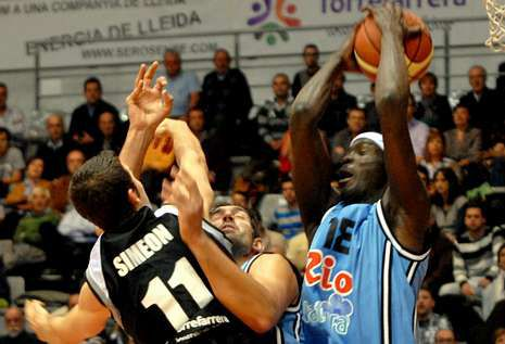 El base José Simeón puede tener más minutos en la dirección si Dani Rodríguez no juega.