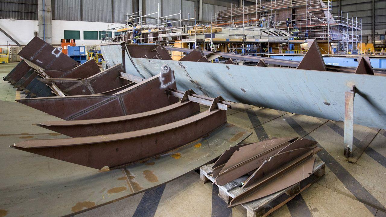 Arroupa: aquí llegan 1.200 toneladas de ropa donada al año.En la imagen de archivo, el Museo de la Construcción Naval de Exponav, el más visitado de la comarca en el 2018