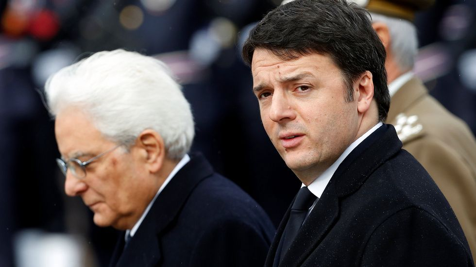 El mundo, entre la desinfección yla nueva cotidianidad.El ministro galo, a la izquierda, discute con el italiano