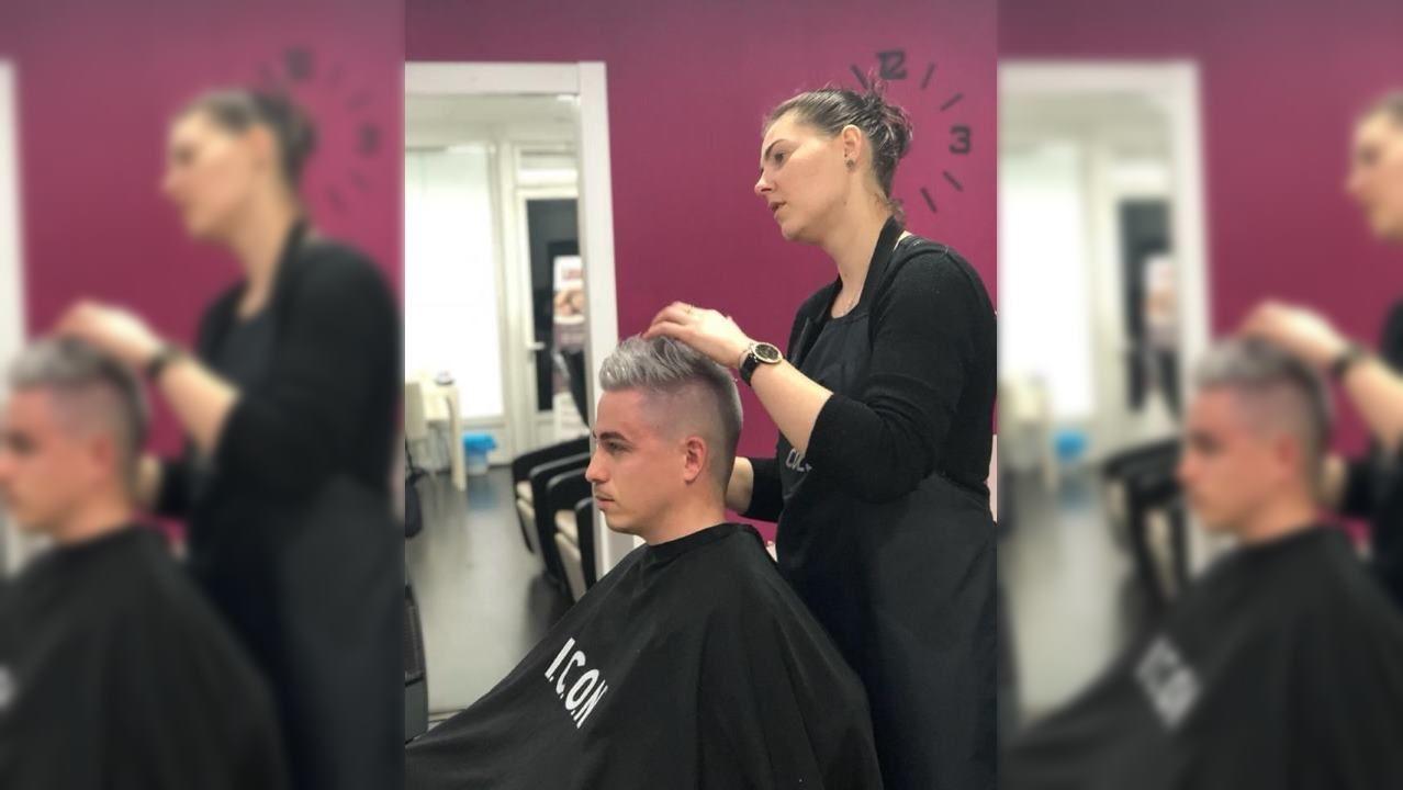 Y los lucenses volvieron a pisar la calle.Cristina Lazar, peluquera que decide cambiar su horario para conciliar vida laboral y familiar