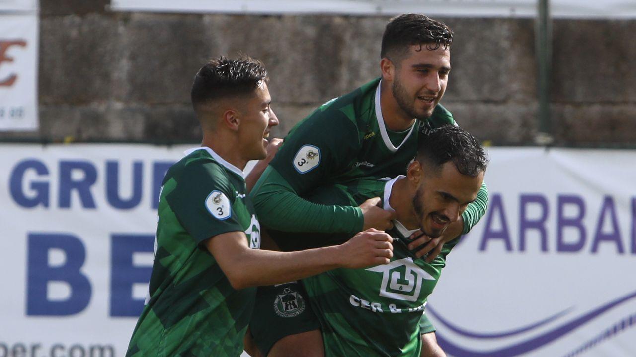 Zanelli (derecha), celebrando un gol
