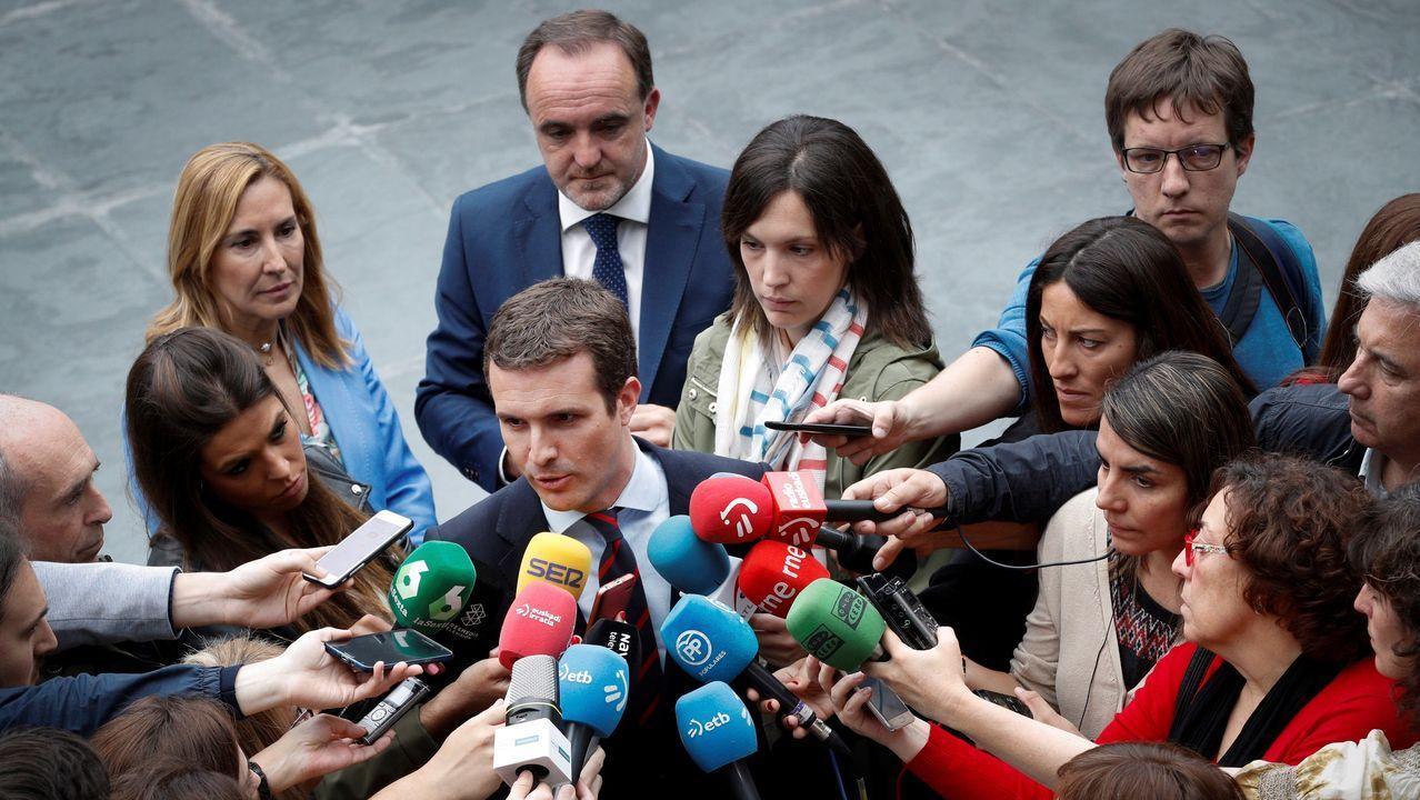 Pelea entre concejales al intentar colocar una ikurriña durante el Chupinazo.Pablo Casado visitó Pamplona para mostrar su apoyo a Javier Esparza, líder de UPN