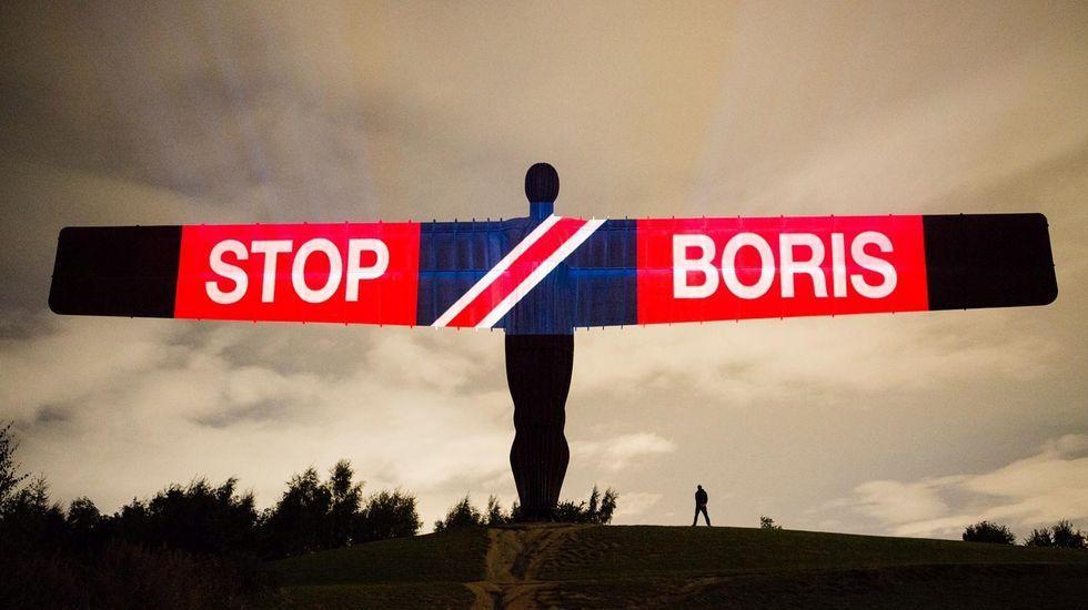 Boris Johnson y la ya exministra de Trabajo Amber Rudd