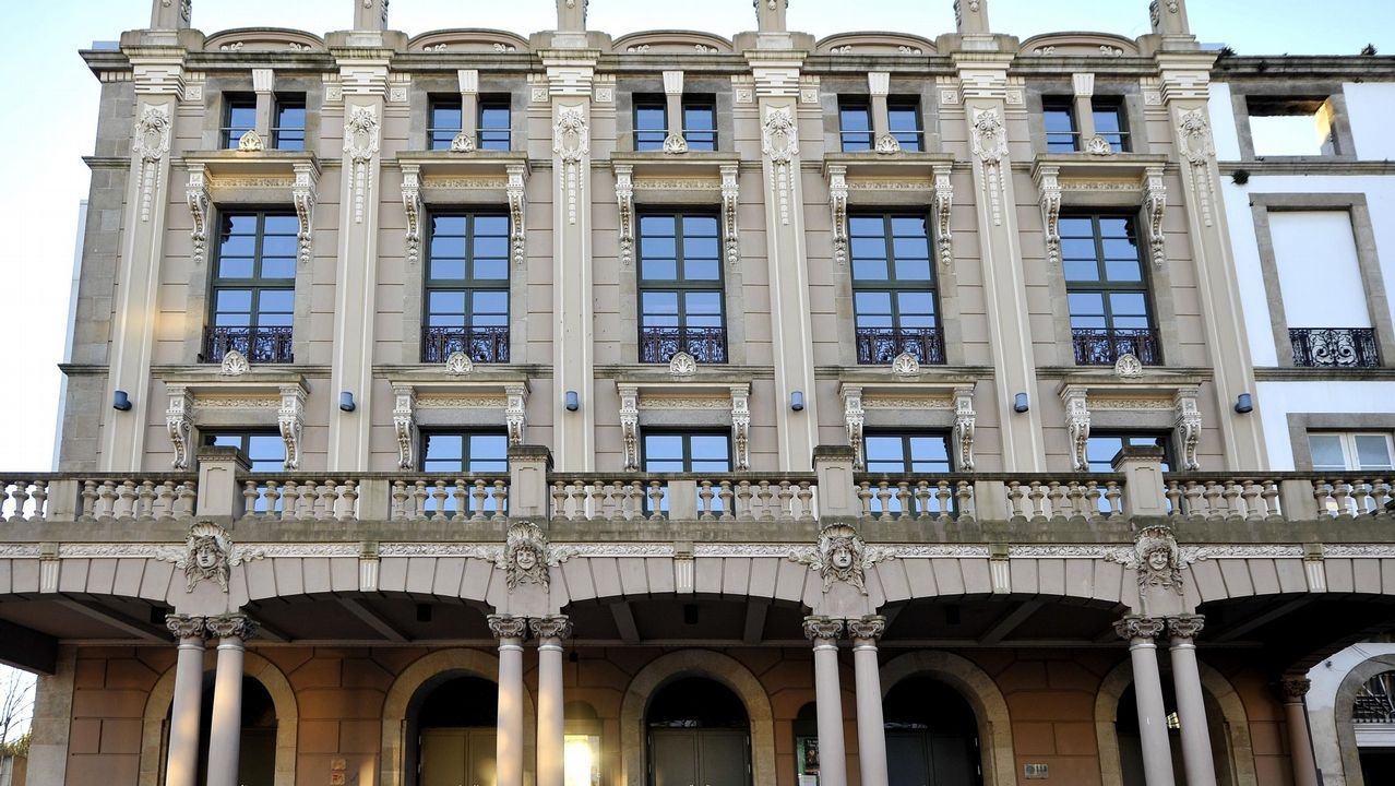 Chequeo al sector hostelero de Ferrol.En la imagen, el vestíbulo del hotel El Suizo de la calle Dolores, donde estos días se registra una ocupación del cien por cien
