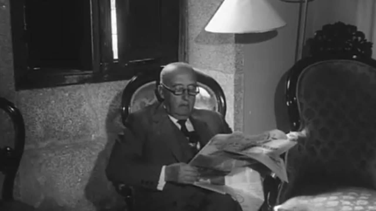 Se vende Pazo de Meirás con Franco leyendo la prensa....Fue recibido como una estrella en Santiago