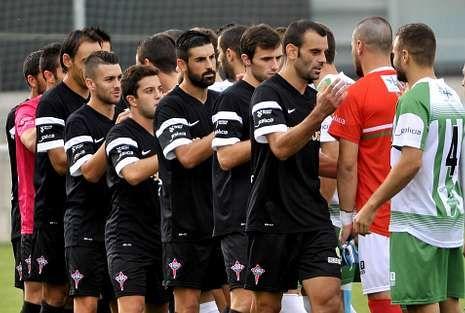 La plantilla admite su desconcierto en la primera parte de Gijón, que le costó la derrota ante el Sporting B.