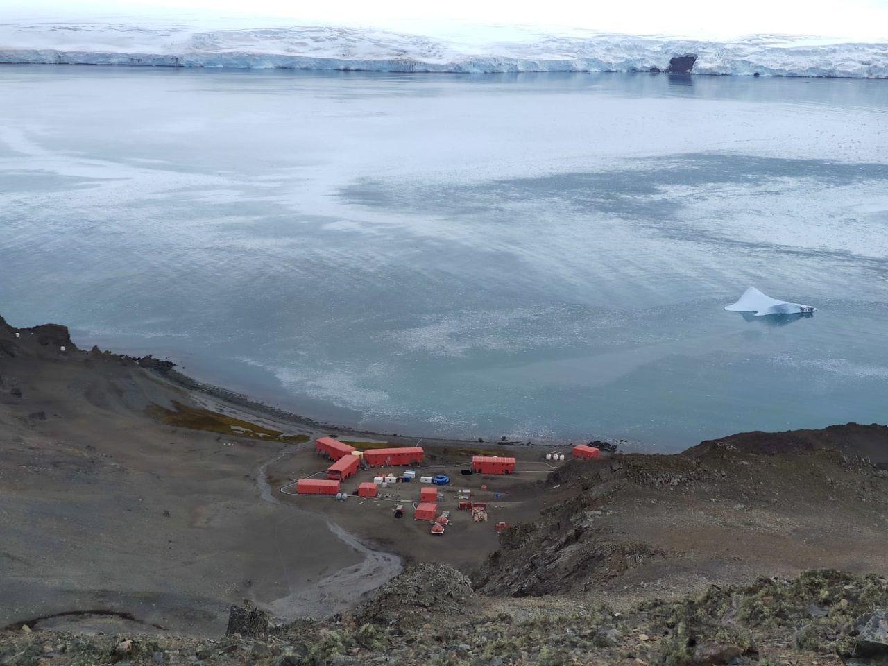 Los restos del San Telmo se encuentran frente a la costa de la isla Livingston, donde está alojada la base antártica Juan Carlos I