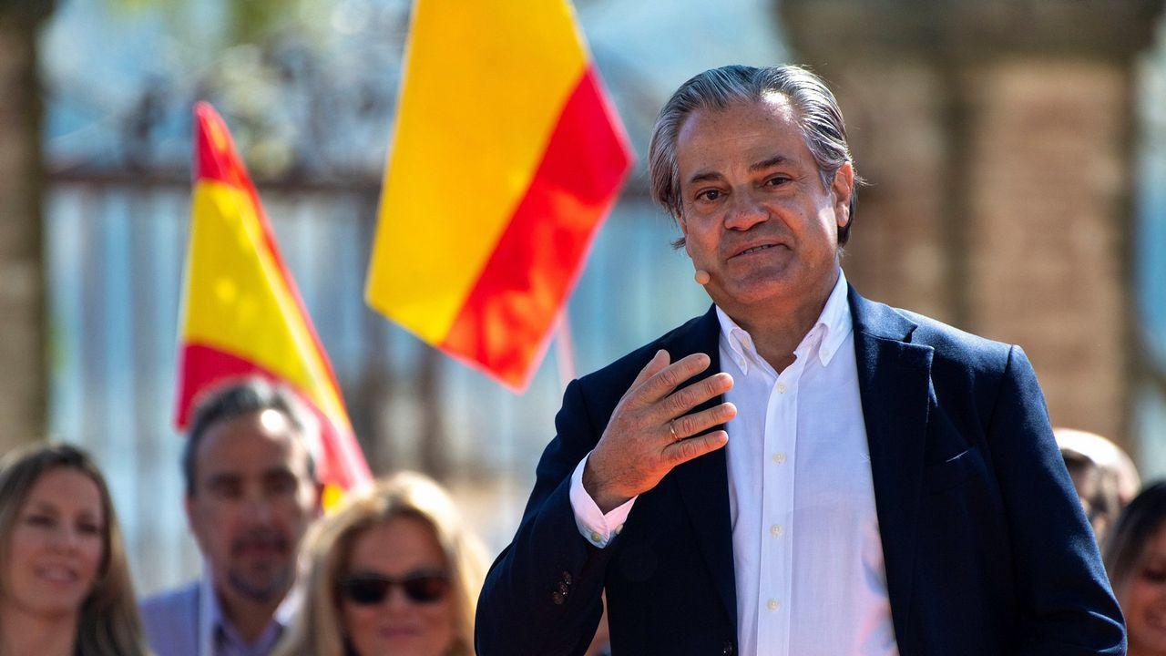 Sánchez promete una ley para todo tipo de familias y un ingreso mínimo vital.Marcos de Quinto