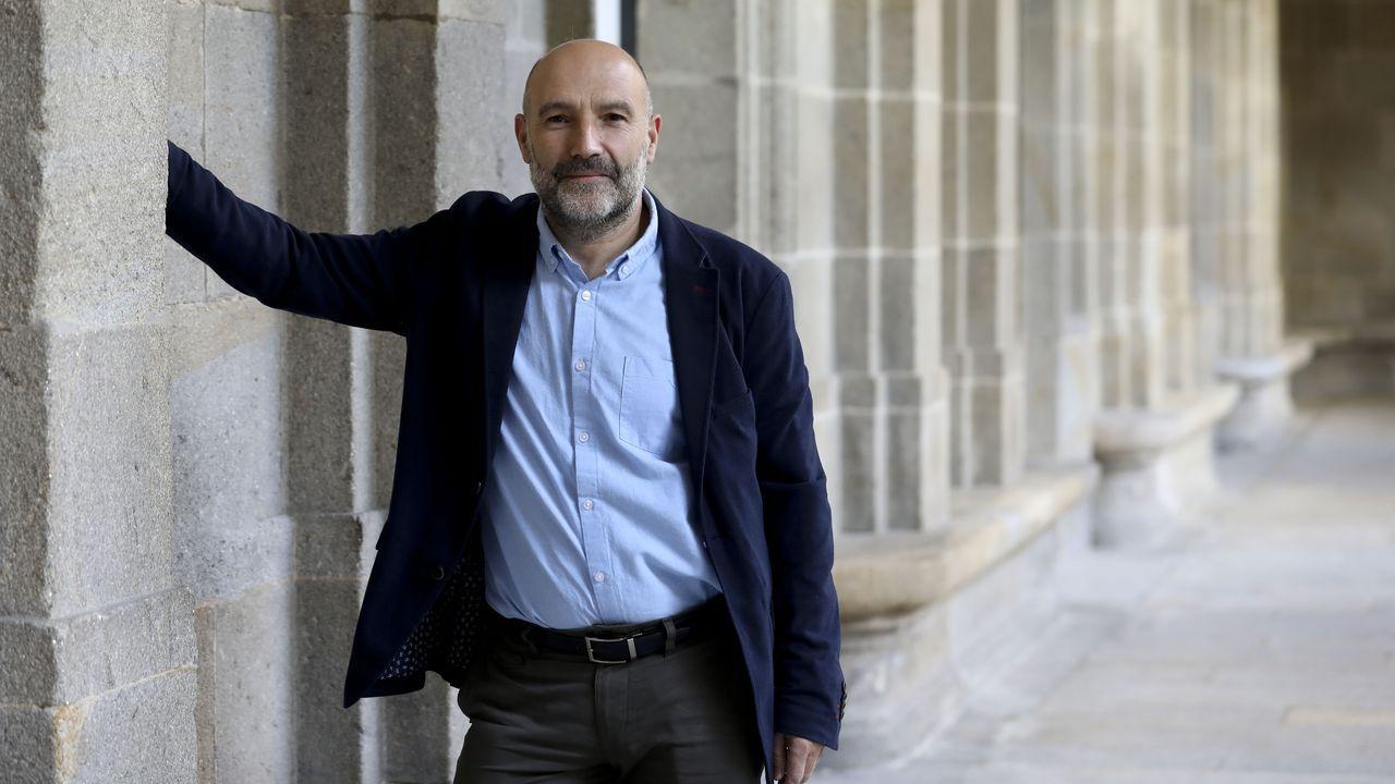 Núñez Feijóo: «Sánchez nos ha metido en un lío mayor que en el que estábamos».El presidente de la Federación Asturiana de Empresarios (Fade), Belarmino Feito (2d), junto a representantes de la Unión General de Trabajadores (UGT) y Comisiones Obreras (CCOO), este jueves, a su llegada a la reunión de la mesa de concertación social