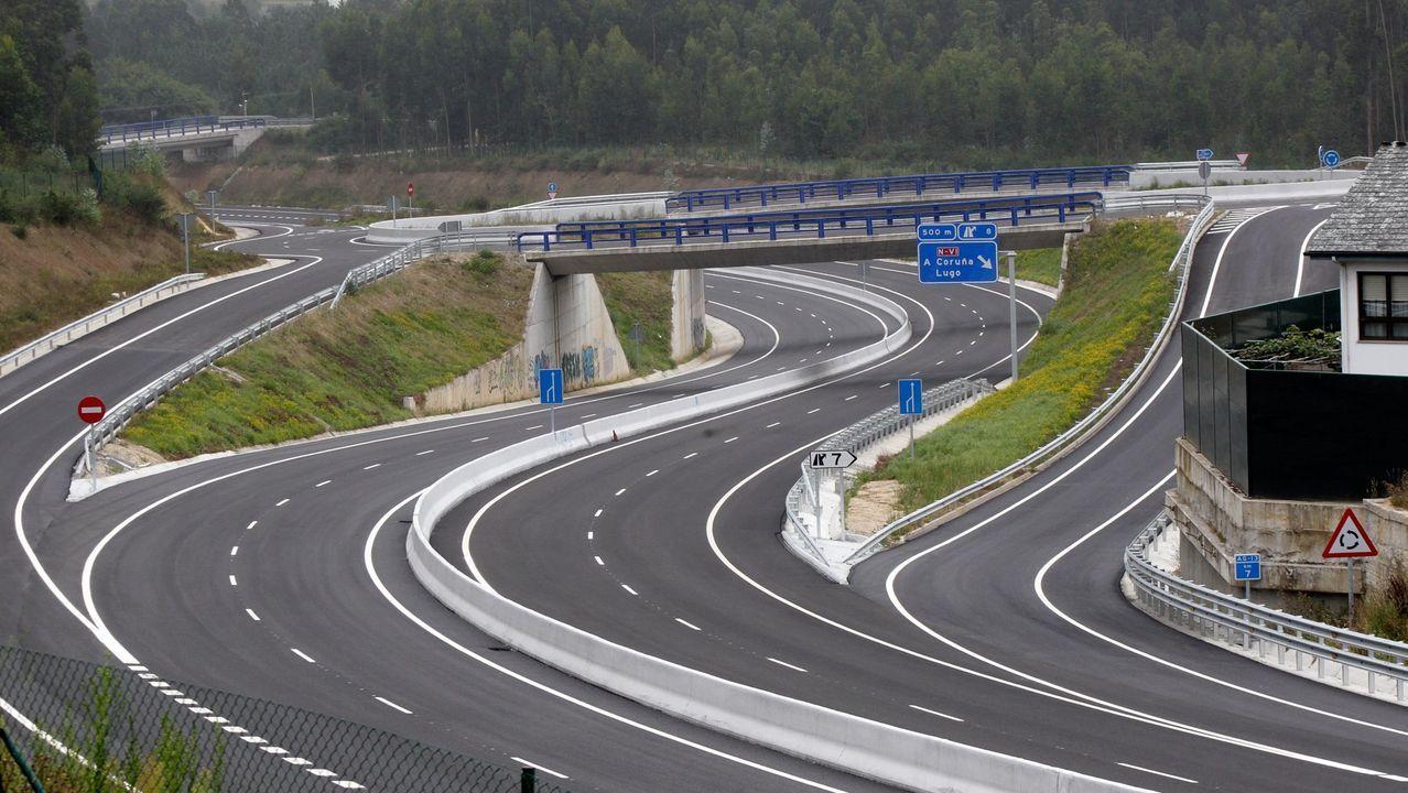 La autovía de Santiago a Lavacolla clama por una reforma.Chao Samartín, en Grandas de Salime