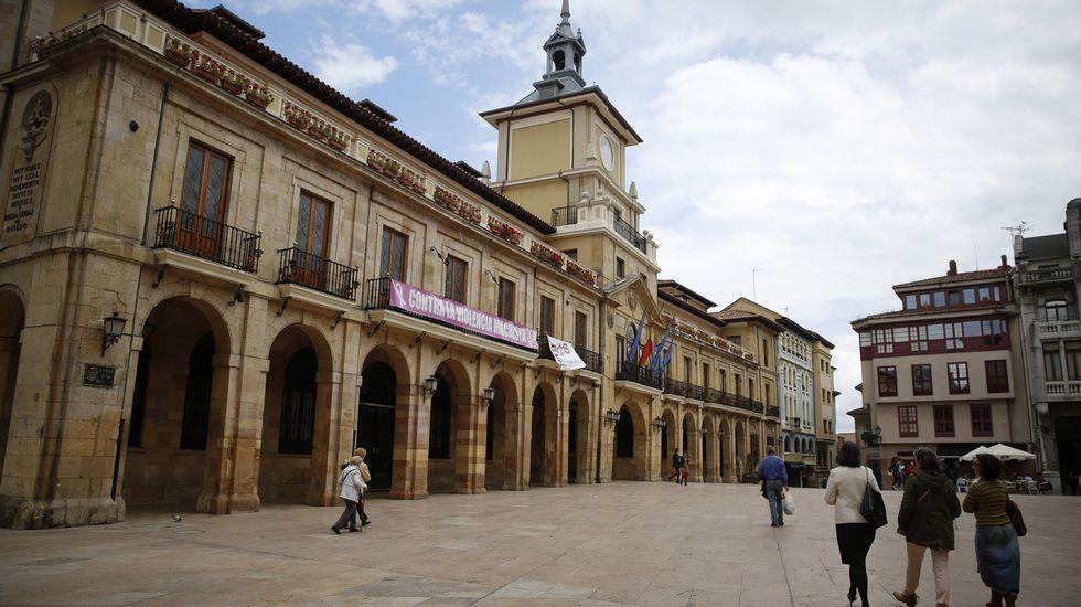 Rodrigo Cuevas protagoniza el anuncio del stand de Oviedo en la Feria de Muestras.Rubén Rosón