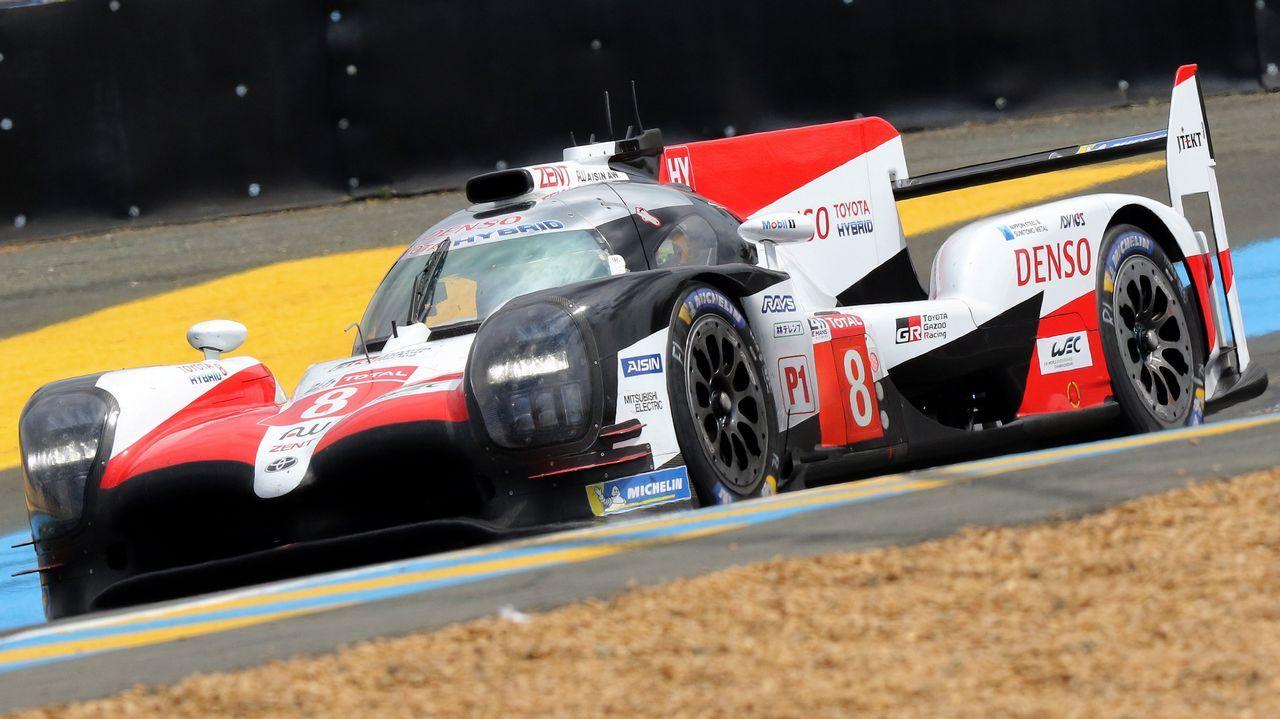 Fernando Alonso al mando del Toyota en las 24 horas de Le Mans
