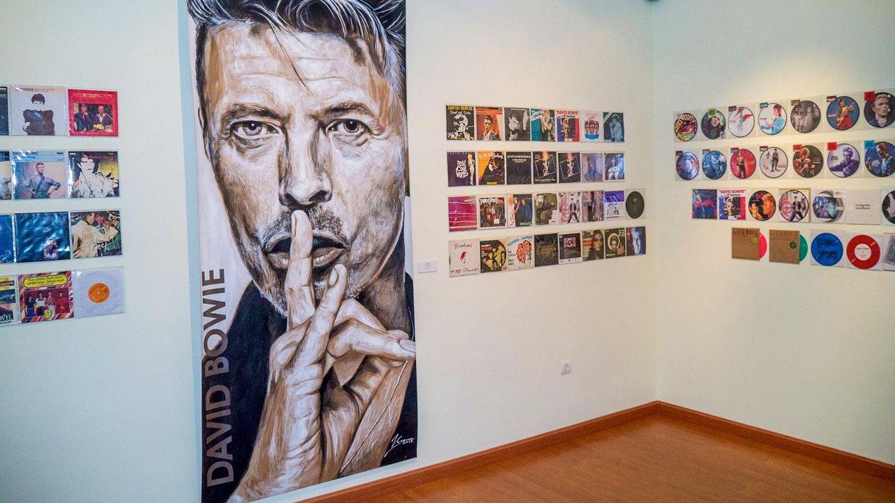 Exposición de David Bowie en Avilés.LOS PLANETAS EN SU ACTUACIÓN DENTRO DEL FESTIVAL NOROESTE EN EL 2015