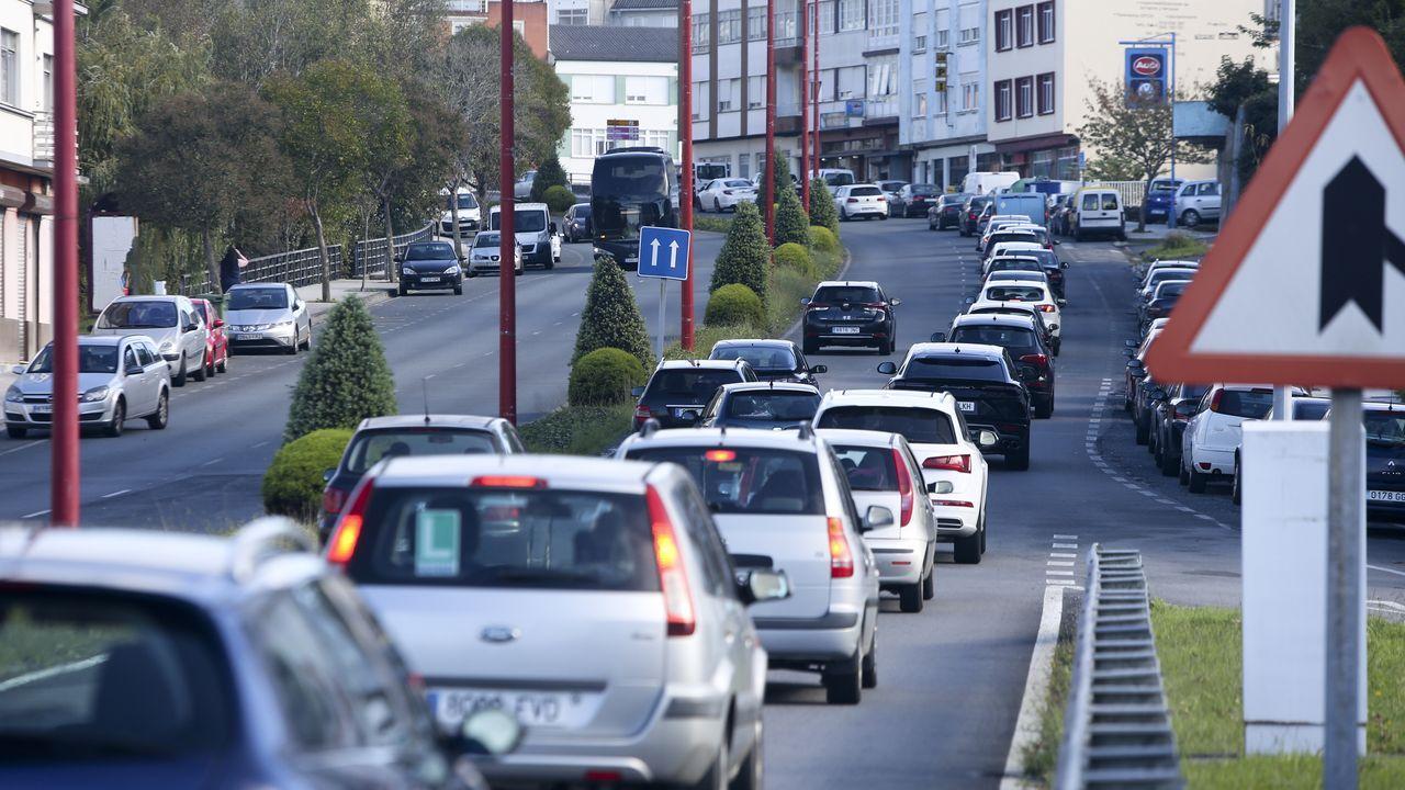 Colas esta tarde en la salida de Ferrol en dirección Fene