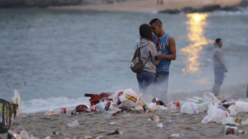 Todas las fotos con la V Solidaria de la Carrera de la Mujer.Amanecer en la playa de Riazor