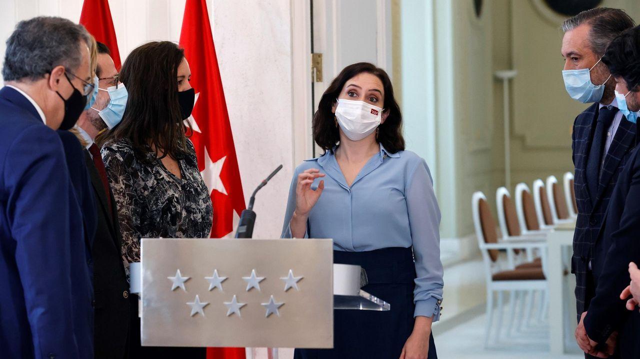 En directo: Debate a seis entre los candidatos de Madrid.Isabel Díaz Ayuso, rodeada de los consejeros del PP, tras anunciar el miércoles la convocatoria de elecciones