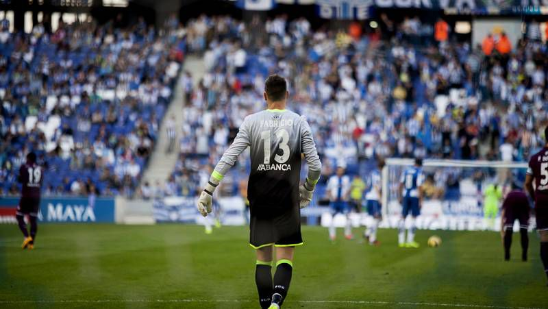El Deportivo ya tuvo tres puntos de renta sobre el descenso tras la victoria ante el Valencia y el empate frente al Espanyol.