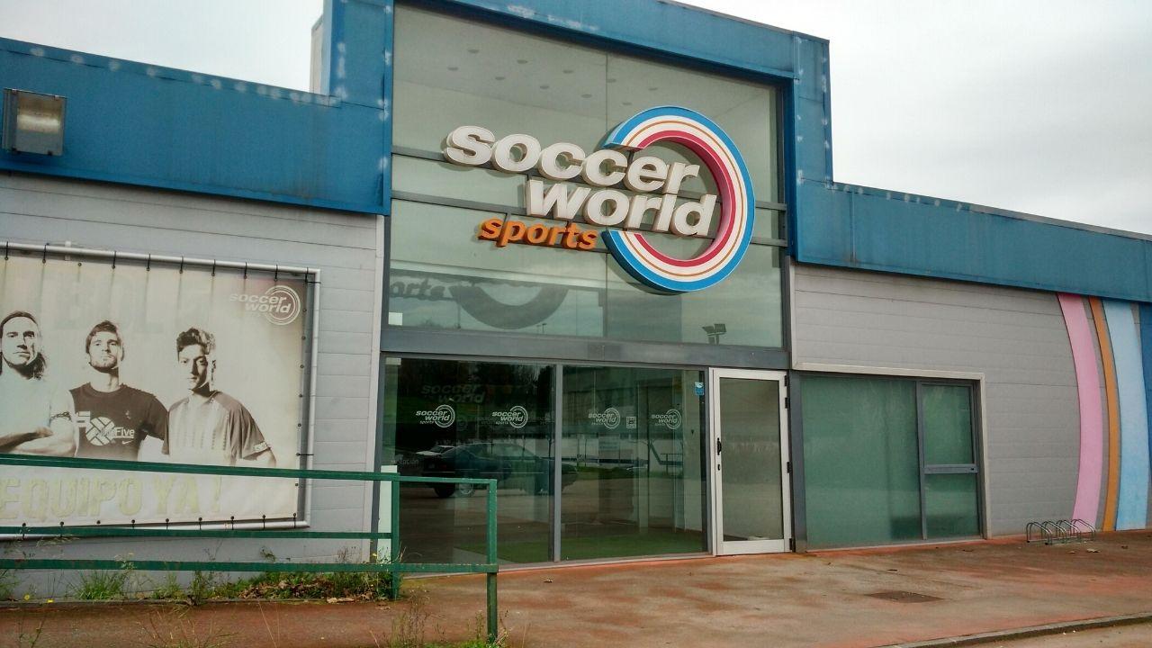 PUERTA LA VILLA GIJON.El espacio deportivo que hasta ahora gestionaba Soccer World en el barrio de Nuevo Roces