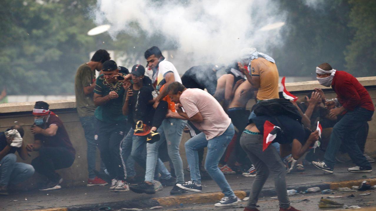 Las fuerzas de seguridad han empleado gases lacrimógenos para intentar evitar que los manifestantes avanzaran hacia la conocida como Zona Verde