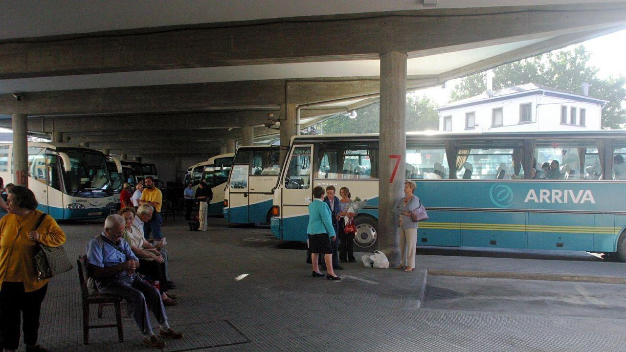 Tercera concentración en defensa de Alcoa, en Burela.El tren Alvia afectado, similar al de esta imagen de archivo, partió de la estación de A Coruña